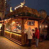 Der Aachener Weihnachtsmarkt lohnt doppelt: Wir sind dabei || Unser Marktstand aus Altholz auf dem Aachener Weihnachtsmarkt im Einsatz