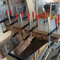 Restaurierung der angegriffenen Eichenbalken des Schwabentors