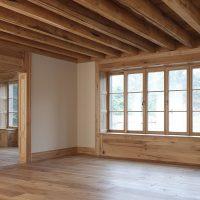 Der gesamte Innenausbau wurde mit Altholz gemacht.