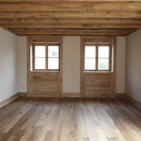 Kleine Fensterelemente aus historischem Eichenholz