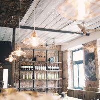 Regale und Wandverkleidungen für »La Empanaderia« in Erlangen