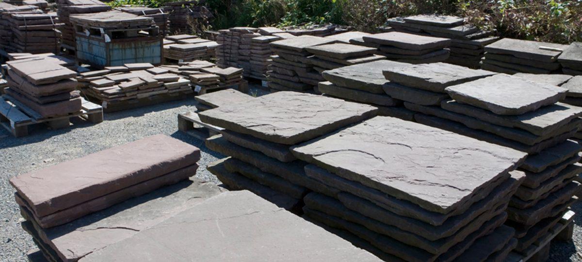Wieder wie früher: Bodenplatten aus Solling-Sandstein