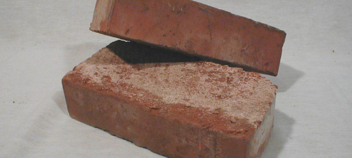 Alte Mauerziegel ehemaliges Sichtmauerwerk