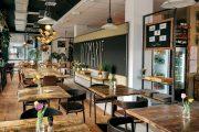 Holzboden aus alten Balken mit 3-Schichtdielung Nr. 5 im Restaurant »Rosmarie«