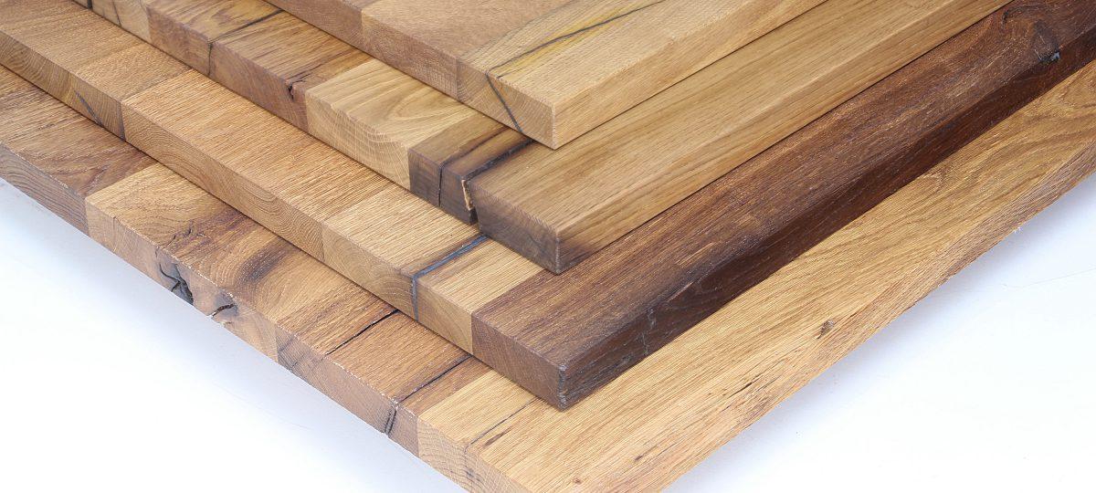 Massive Leimholzplatten aus altem Eichenholz neu verleimt in unserer Tischlerei