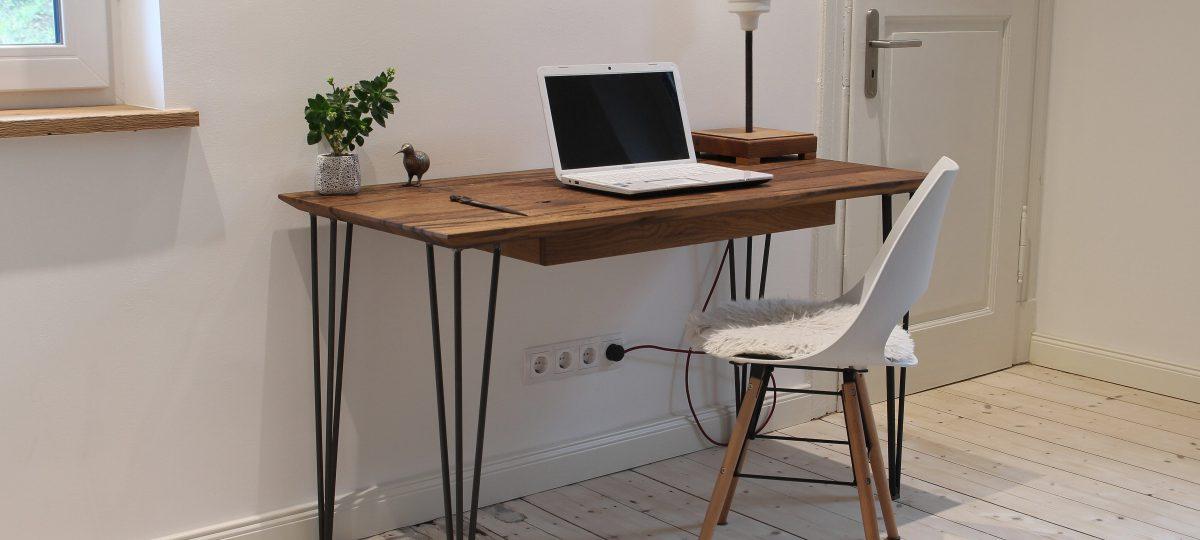 Schreibtisch »Hairpin« klassisch aus Altholz