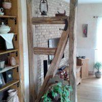 Raumteiler und Deckenbalken nach altem Vorbild aus Altholz, Eiche