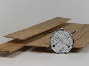 Sägefurnier aus altem Eichenholz – gemischte Längen und Breiten, technisch getrocknet