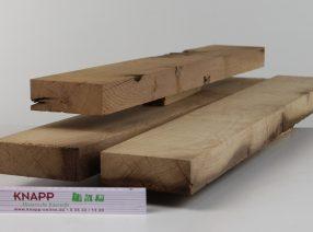 Sägeraue Bretter und Bohlen – auf Maß gefertigt, lufttrocken