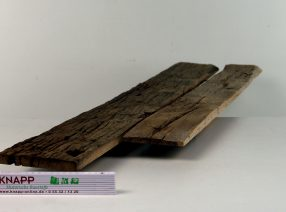 Außenseiten von alten Eichenbalken – auf Maß gefertigt, lufttrocken