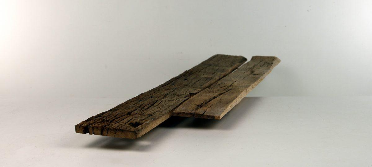Außenseiten von alten Eichenbalken – gemischte Längen und Breiten, lufttrocken