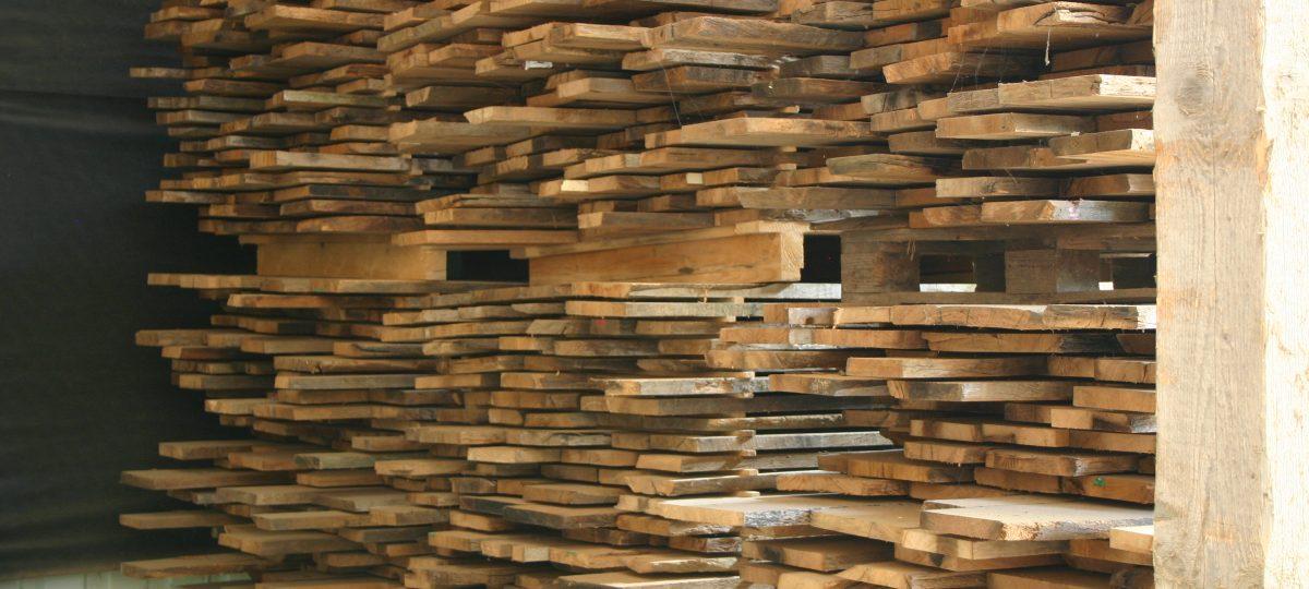 Wissenswertes zu unserem Schnittholz aus alten Eichenbalken