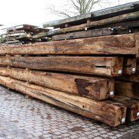 Bei Knapp erhalten Sie Balken aus Altholz in guter Qualität zu günstigen Preisen.