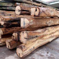 Balken aus Altholz in guter Qualität zu günstigen Preisen.