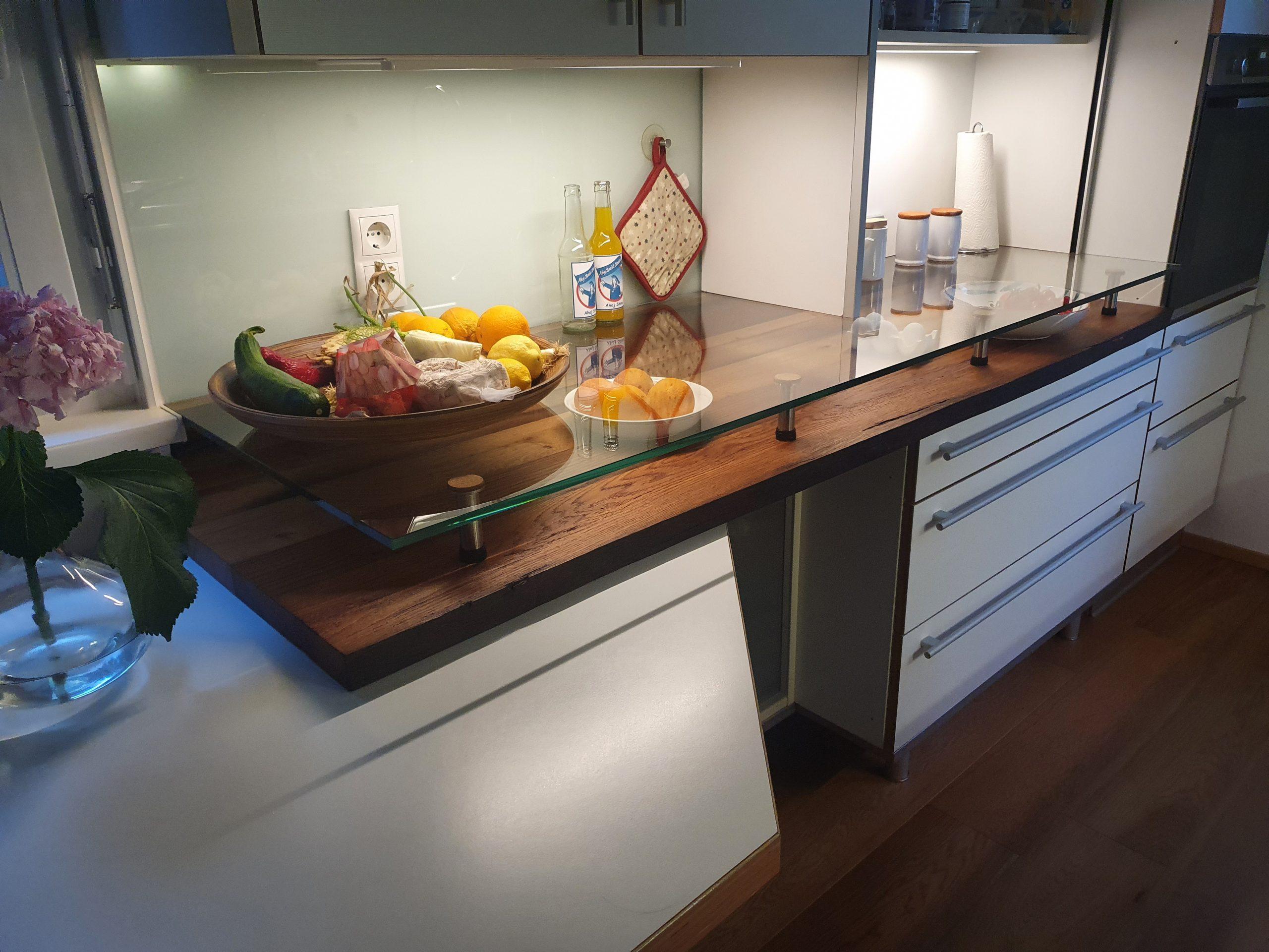 Küchenarbeitsplatte aus Altholz Eiche